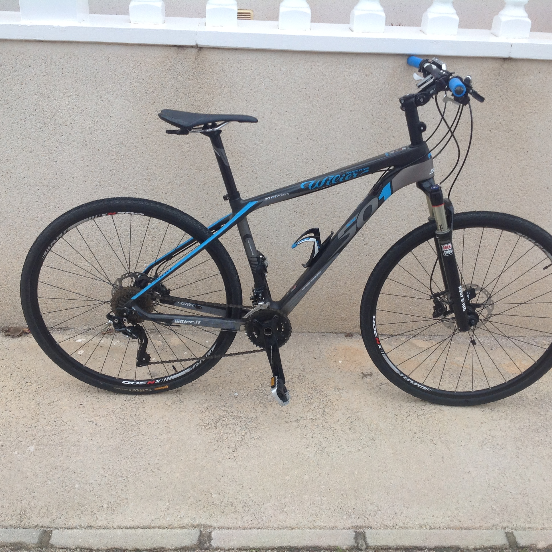For sale: Carbon Mountain Bike