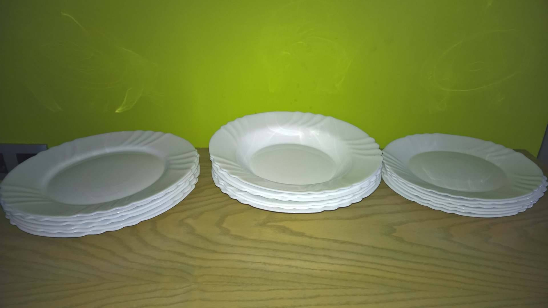 For sale: 3 sets of plates 15€