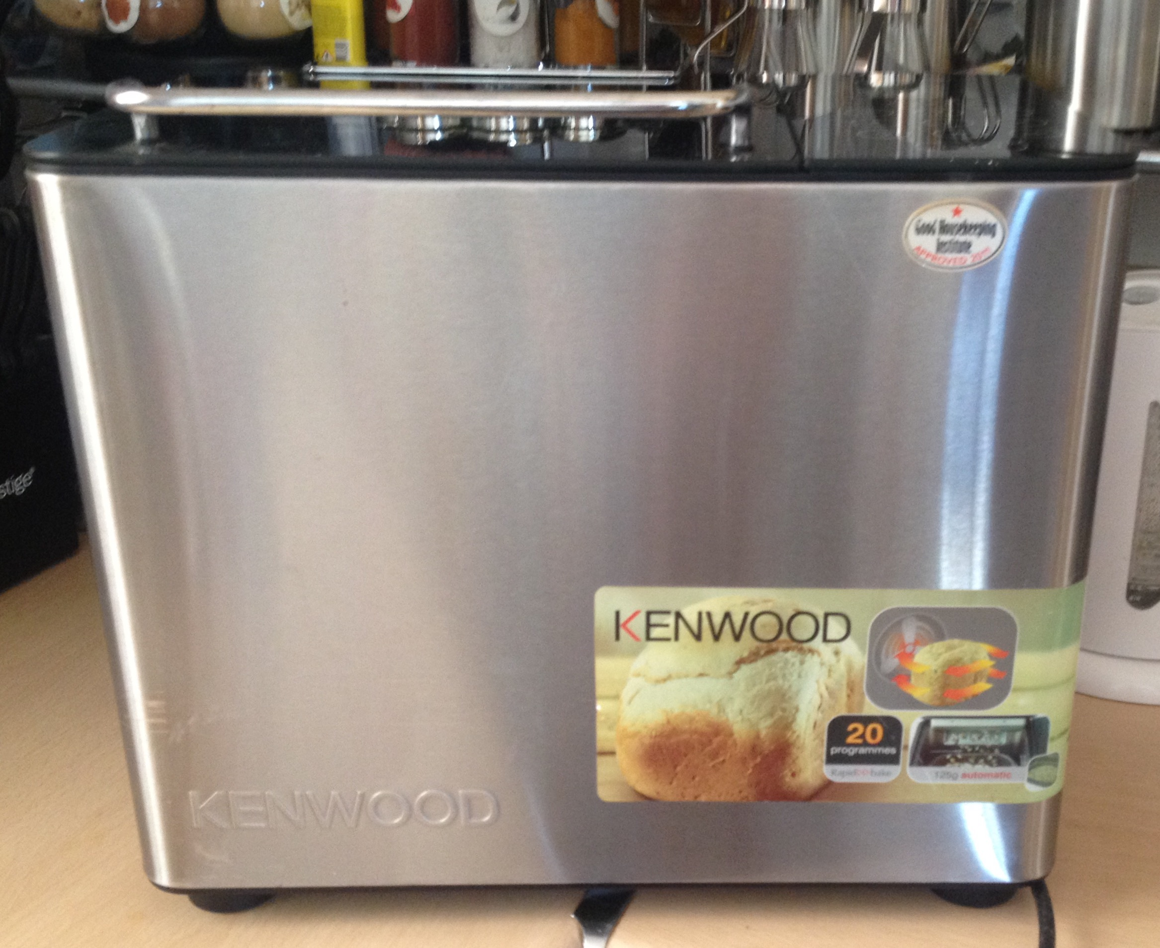 For sale: Kenwood Breadmaker, 20 Programs full instructions and Recipe Book