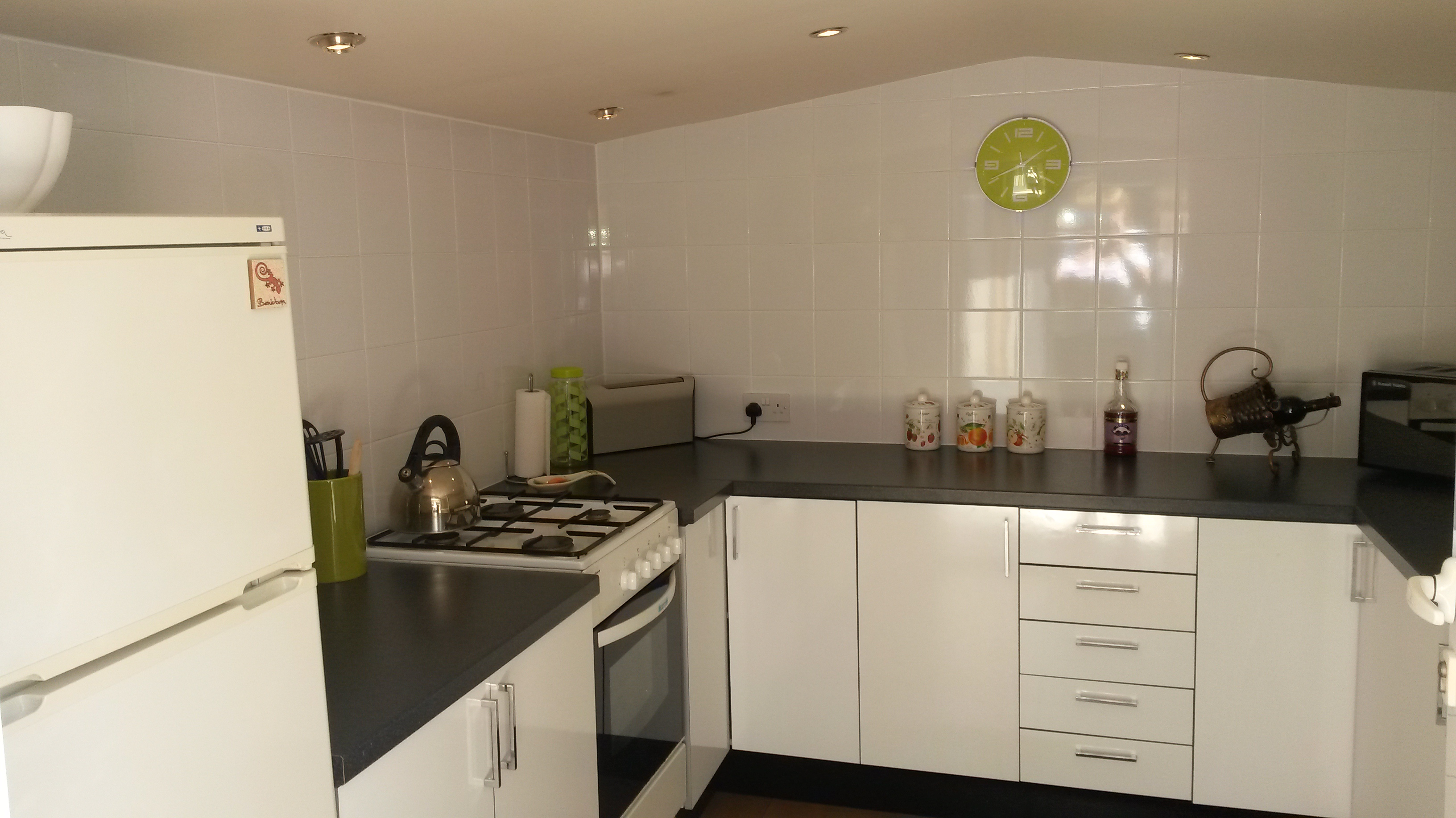 white gloss kitchens for sale for a beautiful white gloss kitchen buy and sell 330