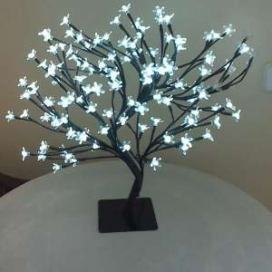 For sale: Chinese Blossom Lamp - €9