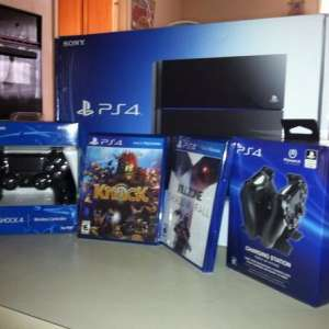 For sale: Sony PlayStation 4 (500GB)