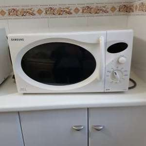 For sale: Samsung microwave - €20