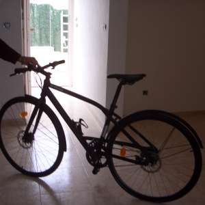 For sale: B-Twin Newark 700 bike