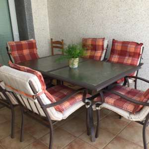 For sale: Garden Table and 6 Chairs