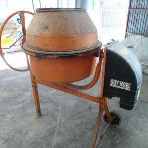 For sale: CEMENT MIXER FOR SALE