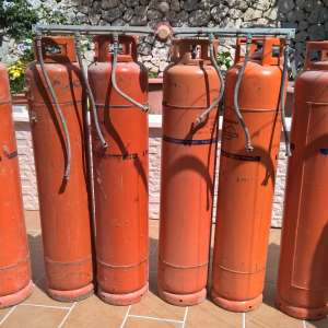 For sale: For sale: lot of many Repsol orange butane/propane gas bottles -