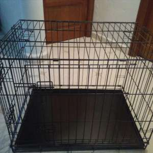 For sale: METAL DOG CRATE (FOLDING)