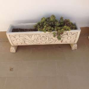 For sale: 5 Concrete planters with separate concrete feet €45 each