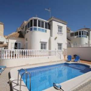 Accommodation Available with Private Pool / Short or Long Term