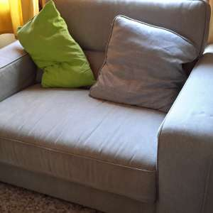 For sale: 2 seater and 3 seater settees