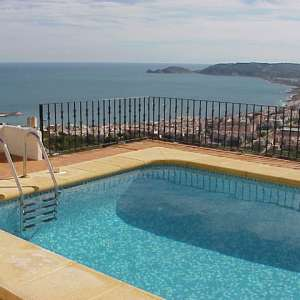 Job vacancy: Cleaner/s for 5* apartment Change-overs on La Plana, Javea.