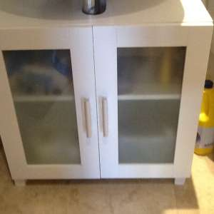 For sale: Cabinet - €20