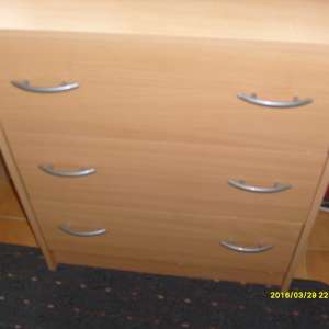 For sale: 3 drawer chest