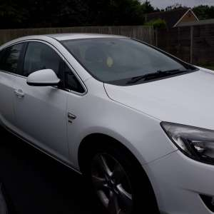 For sale: Vauxhall Astra, white 2012 - English plates