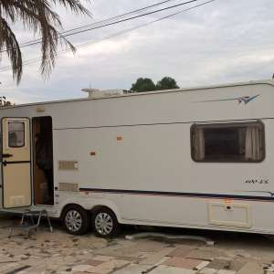 For sale: 26 ft twin axle caravan