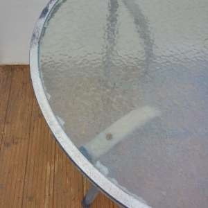 For sale: Outdoor Glass Top Table 100cm (40inch) x 100cm(40inch) Needs metal frame re Paint - €20