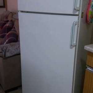 For sale: Fridge Freezer