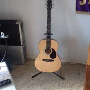 For sale: Elevation Steel Strung Guitar - €45
