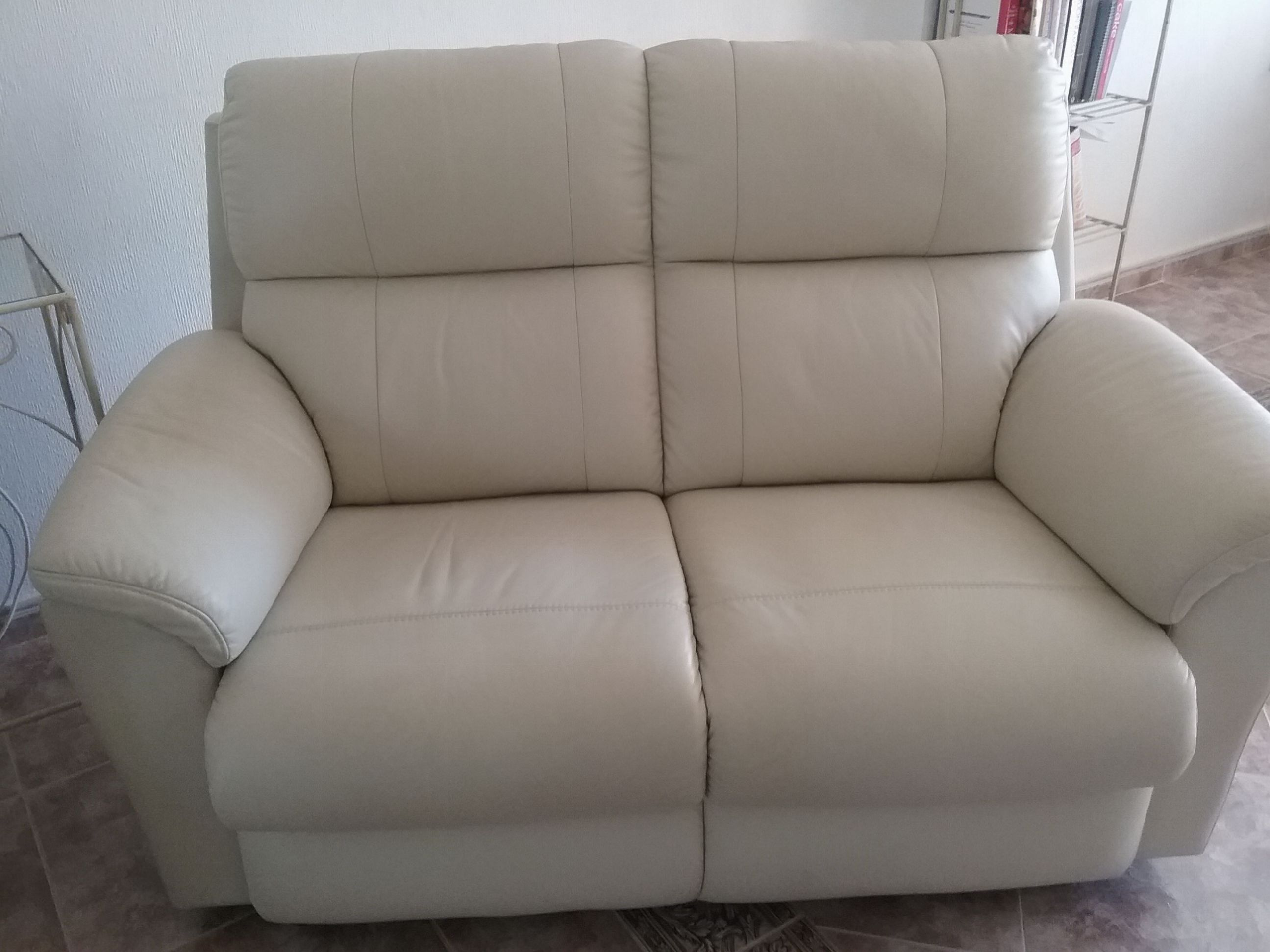 For sale: 2 and 3 seater cream leather sofas - Buy and sell ...