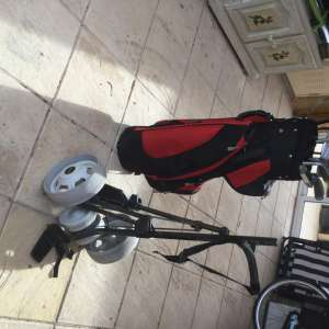 For sale: Golf set. SOLD - €25
