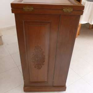 For sale: Oriental Carved Movable Drinks Cabinet and Bar With Extendable Top and Draws - €175