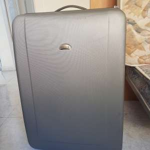 For sale: Large suitcase - €15