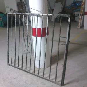 For sale: A pair of matching black gates - €65