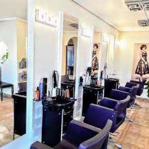 Claws Unisex Hair & Nail Salon for Rent & Sale