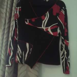 For sale: Joseph Ribkoff Ladies Top - €35
