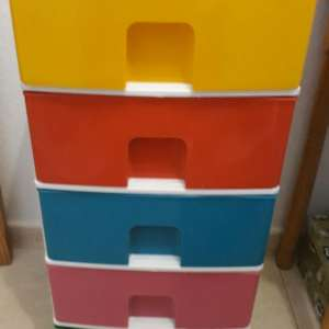 For sale: Set of plastic drawers - €15