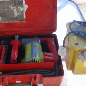 For sale: 110V HILTI SDS ROTARY HAMMER DRILL PLUS TRANSFORMER - €120