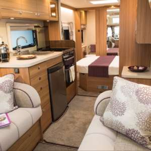 For sale: Compass rallye 554 island bed - €21,000