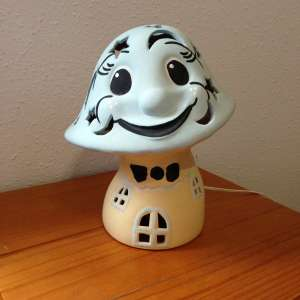For sale: Ceramic Kids Toadstool Bedside Lamp - €10