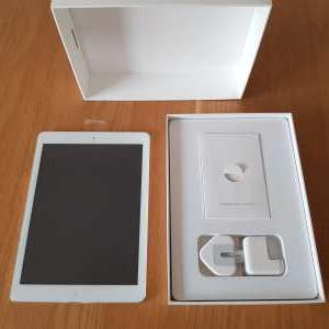 For sale: Apple iPad Air 32GB - White - Wifi & Cellular - €325