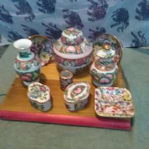 For sale: Lot of china