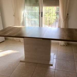For sale: Dining table