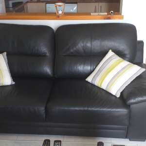 For sale: 1 x 3 seater black leather sofa. - €150