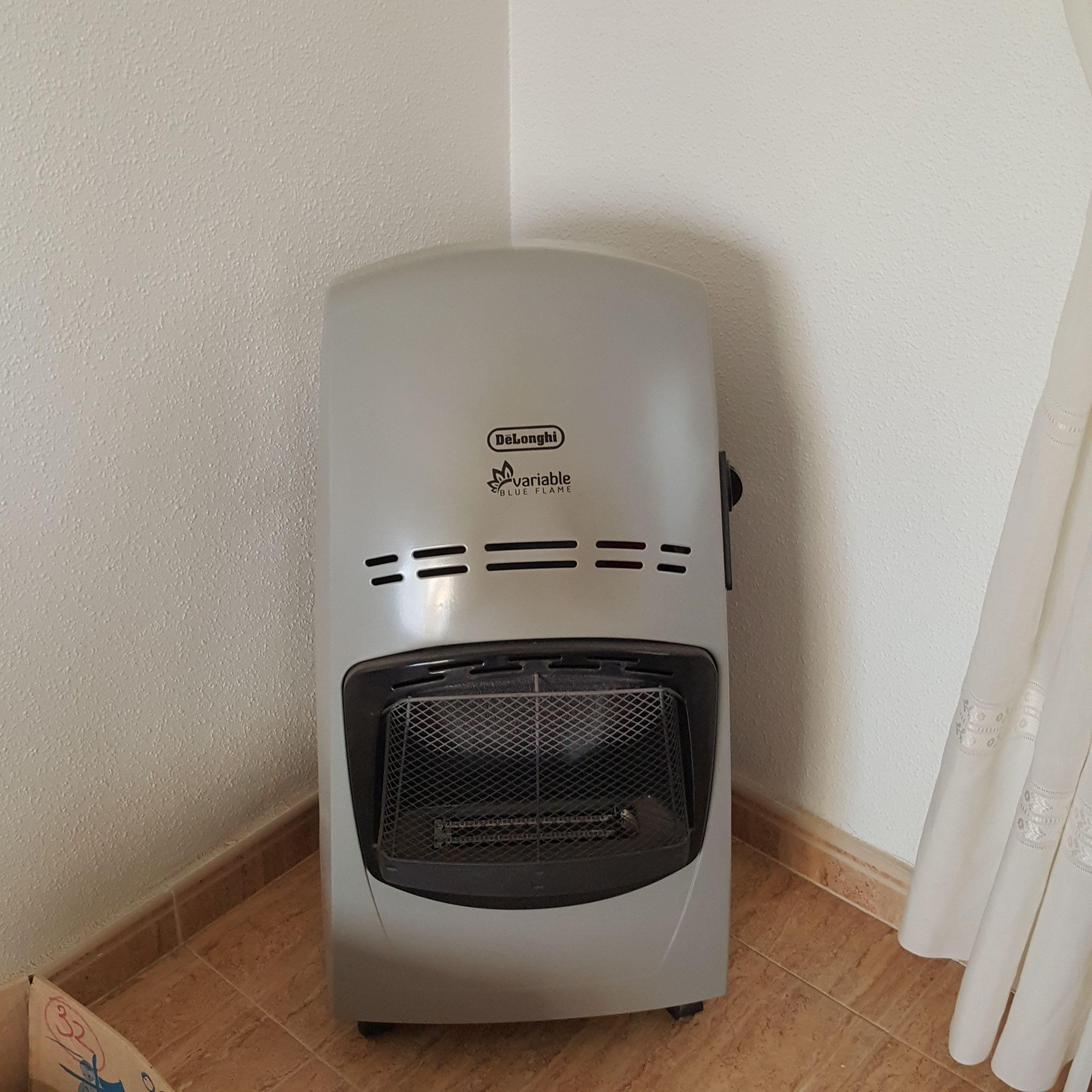 For Sale Delonghi Portable Gas Fire Blue Flame Variable
