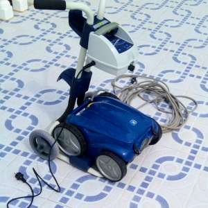 For sale: Robot pool cleaner