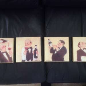 For sale: Pictures. Set of small wall hanging pictures. - €10