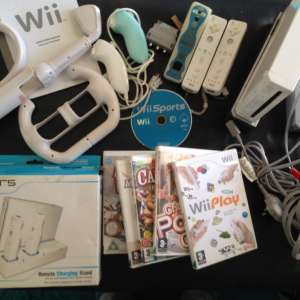 Reduced WII WHITE CONSOLE AND ACCESSORIES,GAMES ETC BOXED - €55
