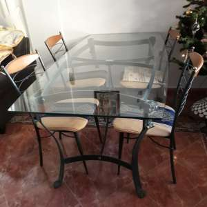 For sale: Glass dining table + 4 chairs