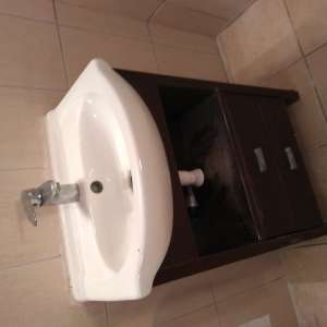 For sale: Modern floor standing vanity unit including basin. - €38