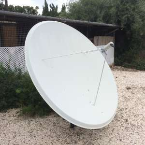 For sale: 2M Satellite dish complete - €200