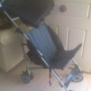 For sale: Push chair with sun canopy €25