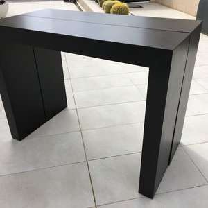 For sale: Italian Design Matt Black Extendable Dining Table - €120