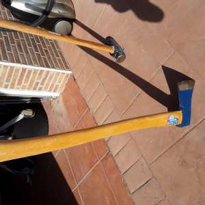 For sale: Axe - €15