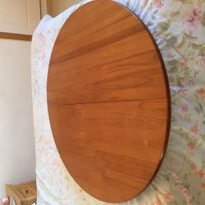 For sale: Pine table