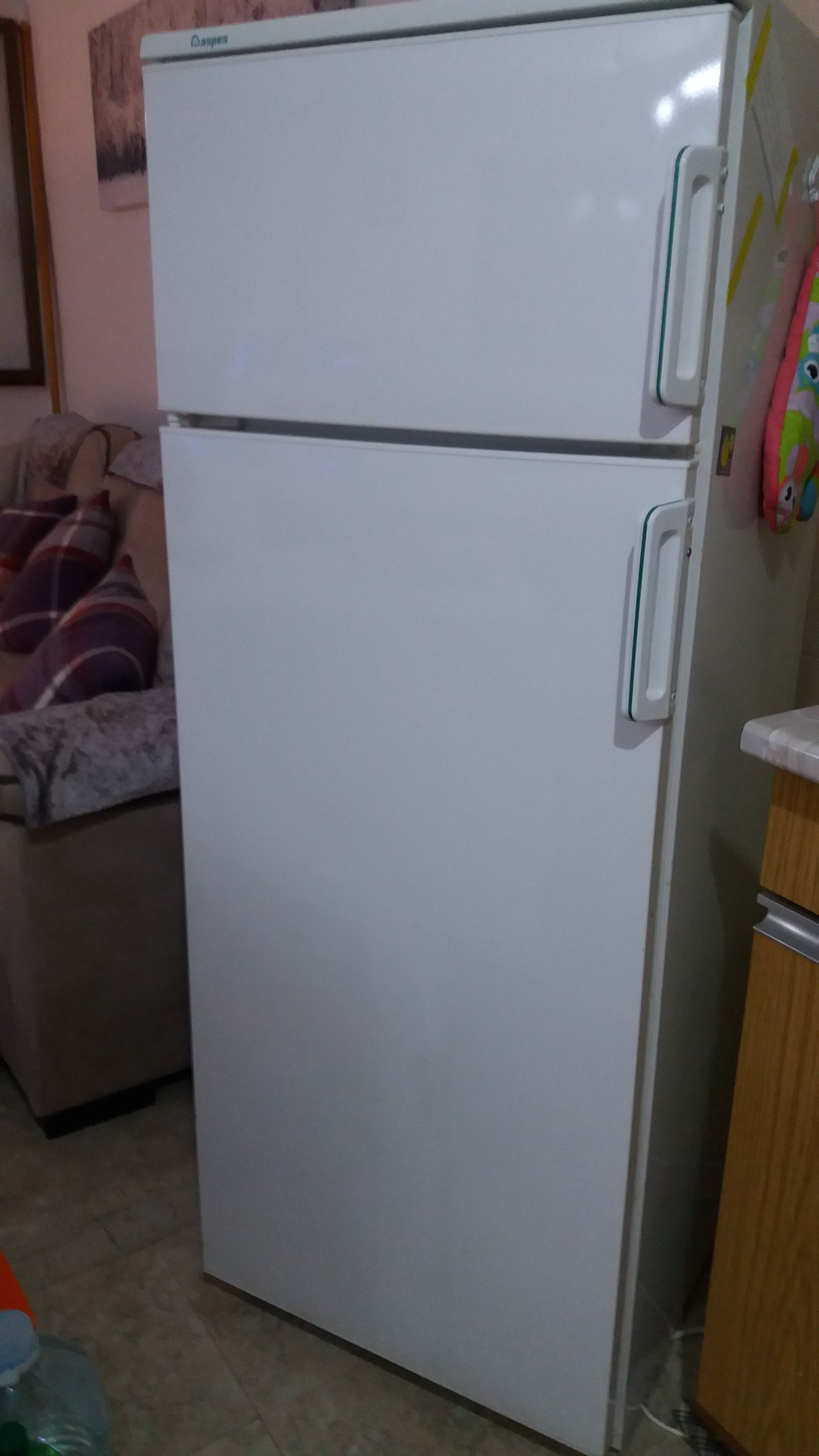 for sale fridge freezer buy and sell items in orihuela. Black Bedroom Furniture Sets. Home Design Ideas